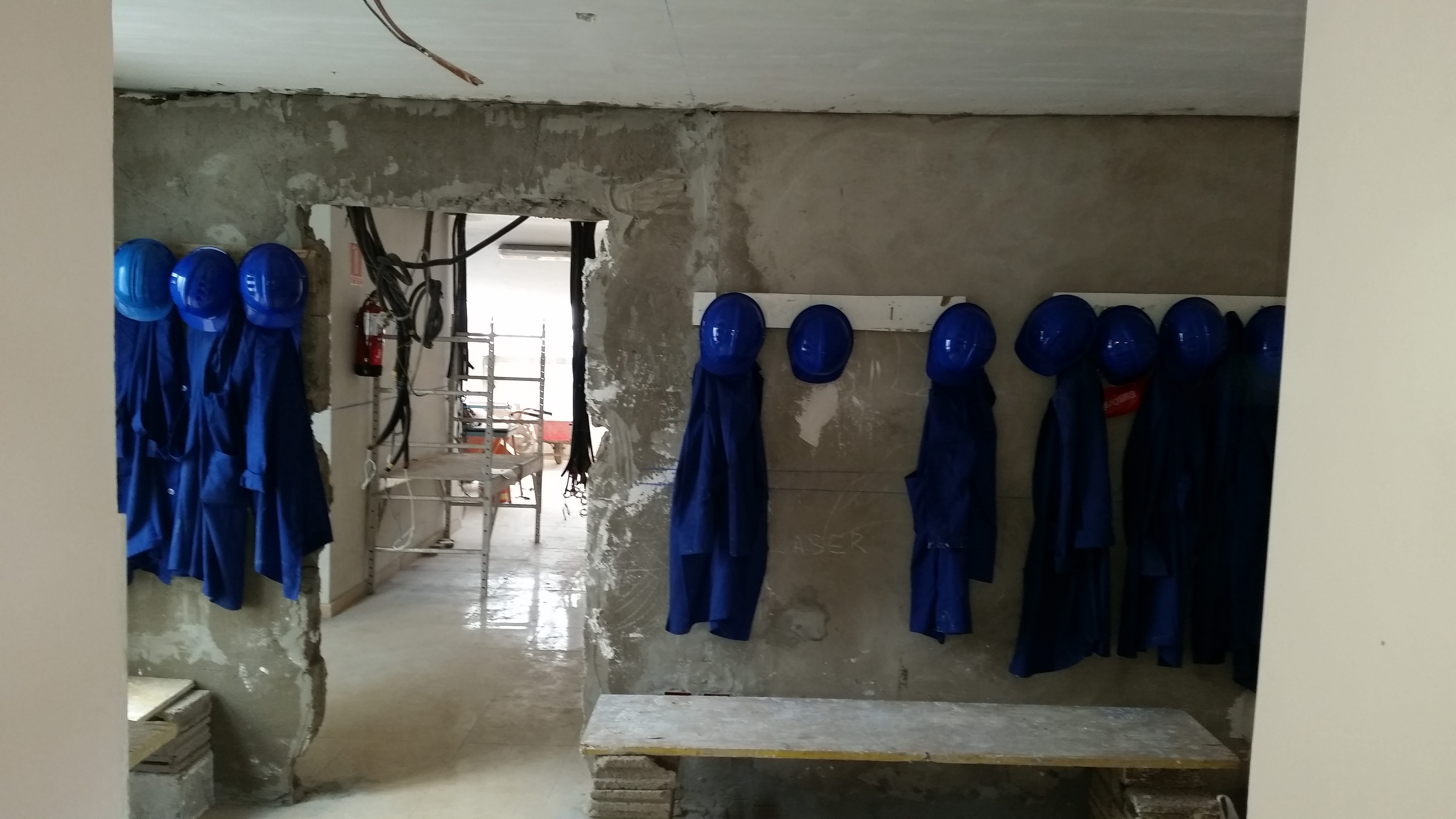 Operaciones auxiliares de albañilería de fábricas y cubiertas